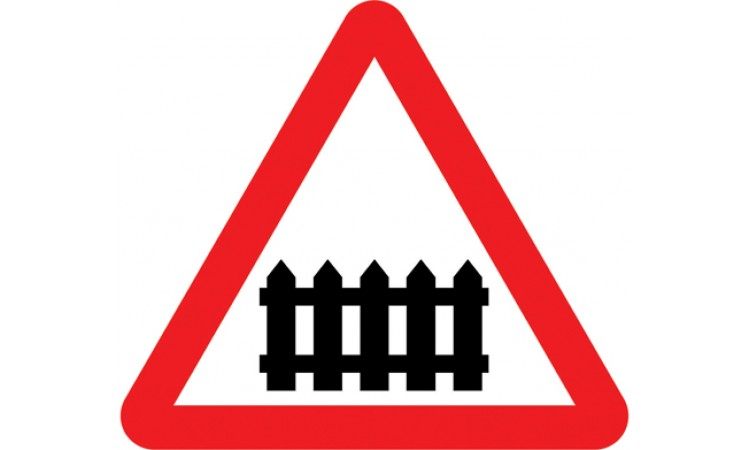 Level crossing with gate or barrier ahead